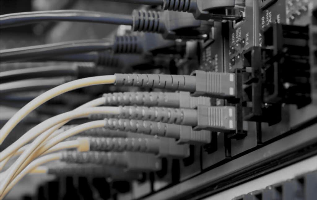 benefícios da conexão banda larga de Fibra para comércio