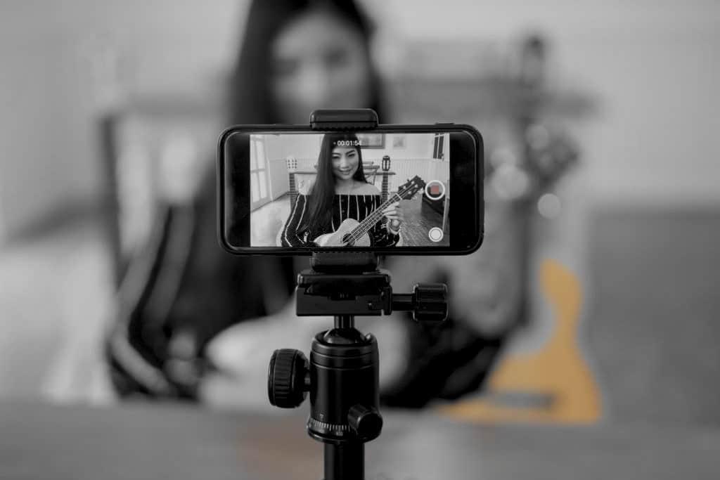 Como fazer multi-transmissão: transmitir no Facebook e no YouTube?